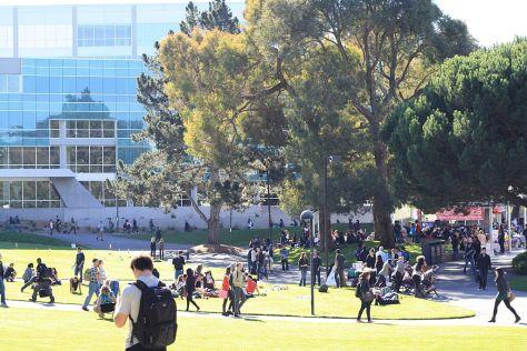 1024px-SFSU_Campus_JPL_Library_Nov2012