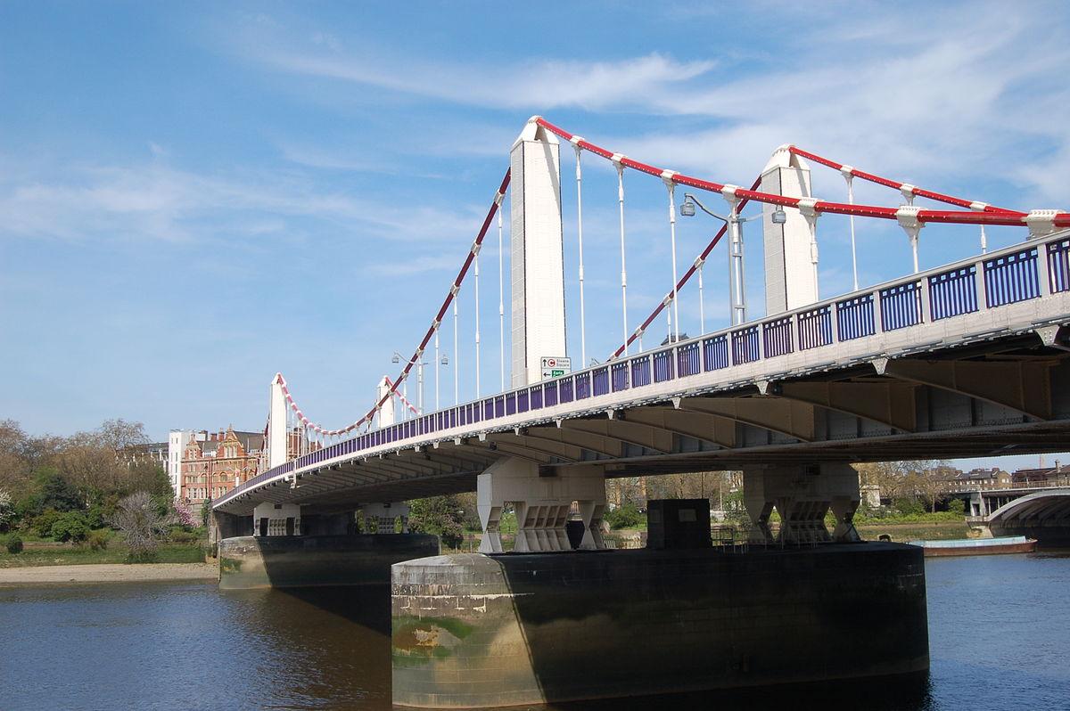 1200px-Chelsea_Bridge,_London