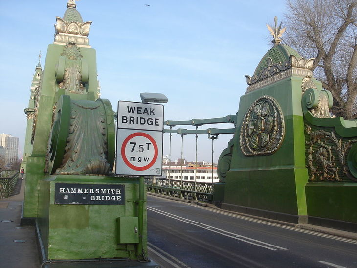 1200px-hammersmith_bridge__london_12