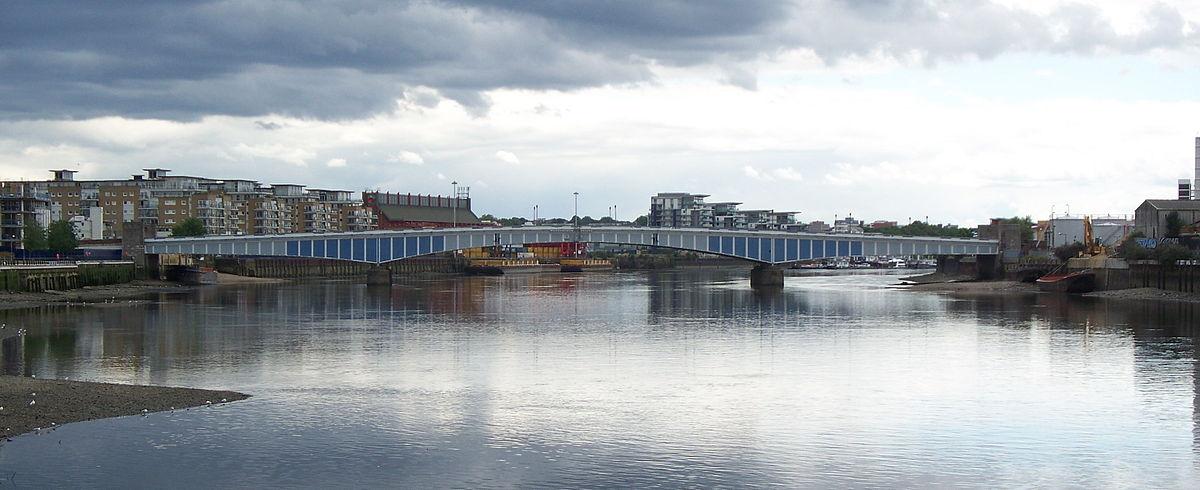 1200px-Wandsworth_Bridge