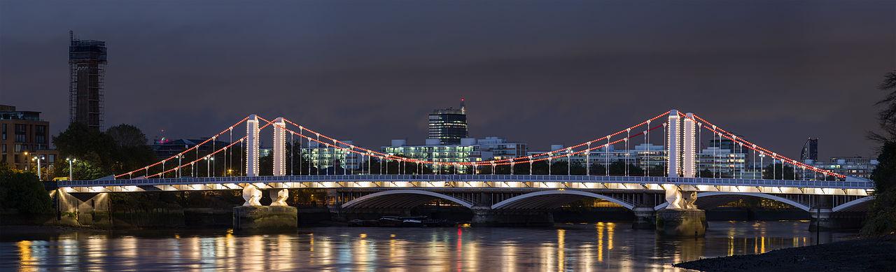 1280px-Chelsea_Bridge,_London_-_Oct_2012