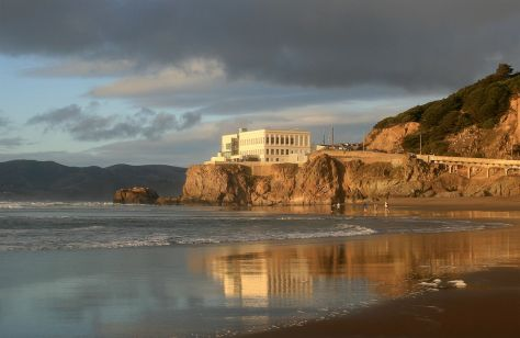 1280px-Cliff_House_from_Ocean_Beach