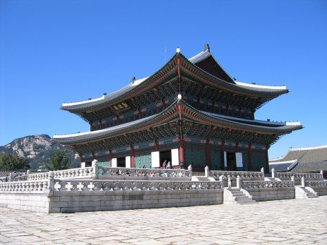 1280px-Gyeongbok-gung_palace-05_(xndr)