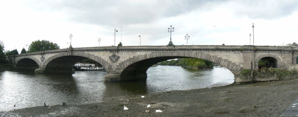 1280px-Kew_Bridge_in_London_2007_Sept_21