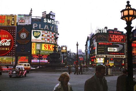 1280px-Piccadilly_Circus_in_London_1962_Brighter