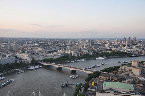 1280px-River_Thames_and_Waterloo_Bridge,_London-17Aug2009