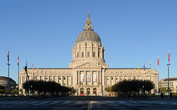 1280px-San_Francisco_City_Hall_September_2013_panorama_3