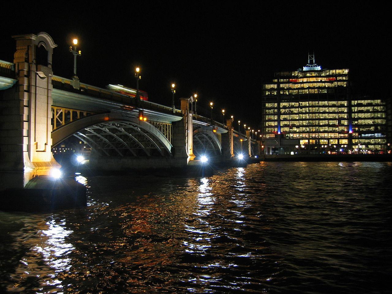 1280px-Southwark_Bridge_and_the_choppy_Thames