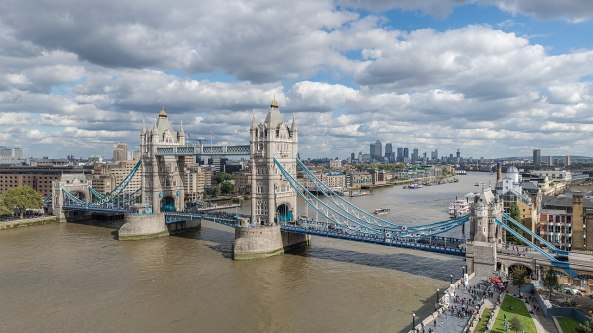 1280px-Tower_Bridge_from_London_City_Hall_2015