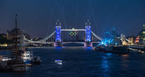 1280px-Tower_Bridge_Olympic_Lighting,_London_-_July_2012