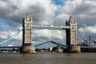 1280px-Tower_Bridge,London_Getting_Opened_2
