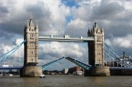 1280px-Tower_Bridge,London_Getting_Opened_3