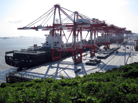1280px-Yangshan-Port-Balanced