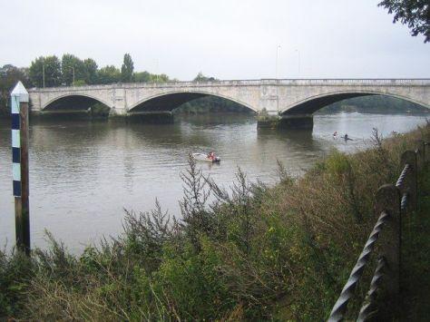 2c1af6e6316642a7b7bb0ac5c041b174--river-thames-london-calling
