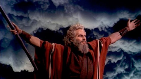 800px-Charlton_Heston_in_The_Ten_Commandments_film_trailer