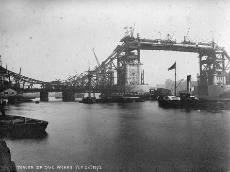 800px-Tower_bridge_works_1892
