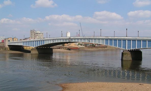 800px-WandsworthBridge