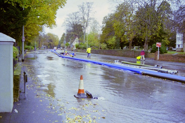 A23_closed_by_floods,_November_2000_-_geograph.org.uk_-_1656937
