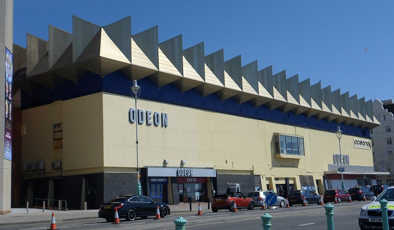 Brighton_Odeon_Kingswest_Cinema,_Junction_of_Kings_Road_and_West_Street,_Brighton_(from_SW)_(April_2013)