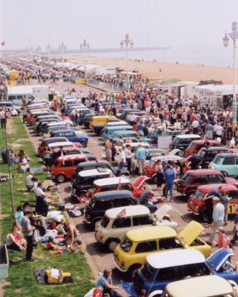 Brighton_seafront_carshow
