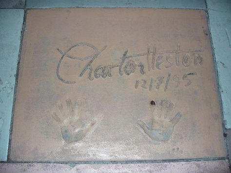 Charlton_Heston_(handprints_in_cement)