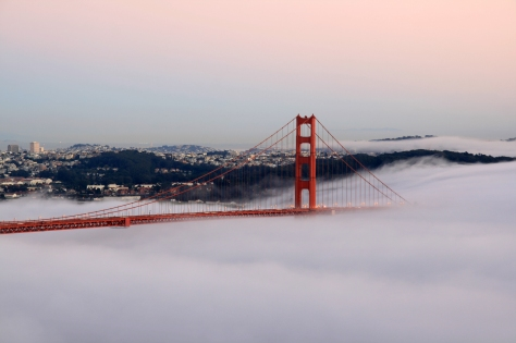 Golden_Gate_Bridge_at_sunset_1