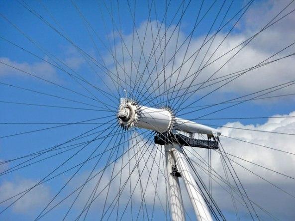 Hub_of_the_Eye_-_geograph.org.uk_-_1409599