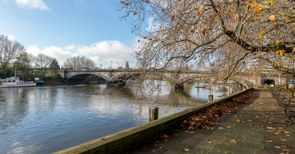 Kew-Bridge-and-rivers-thames-6-e1461664442386