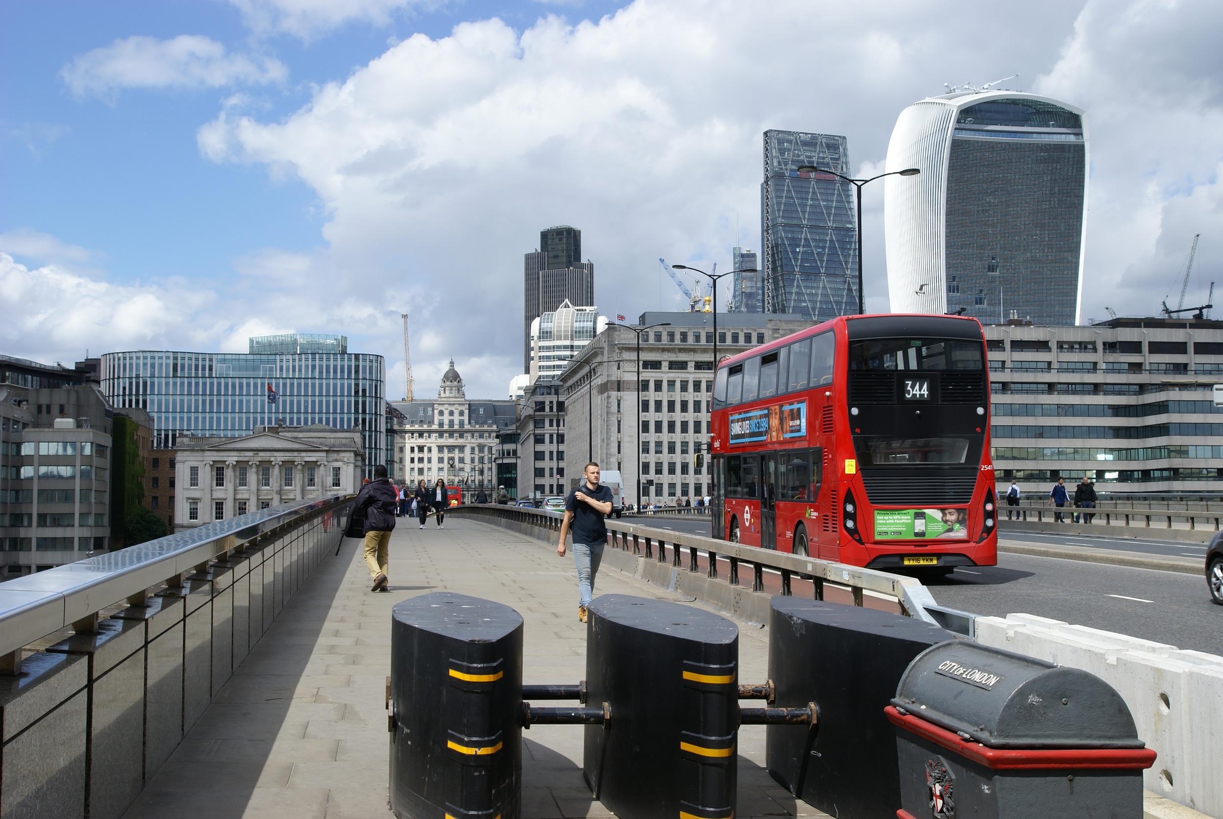 London_Bridge_security_barriers