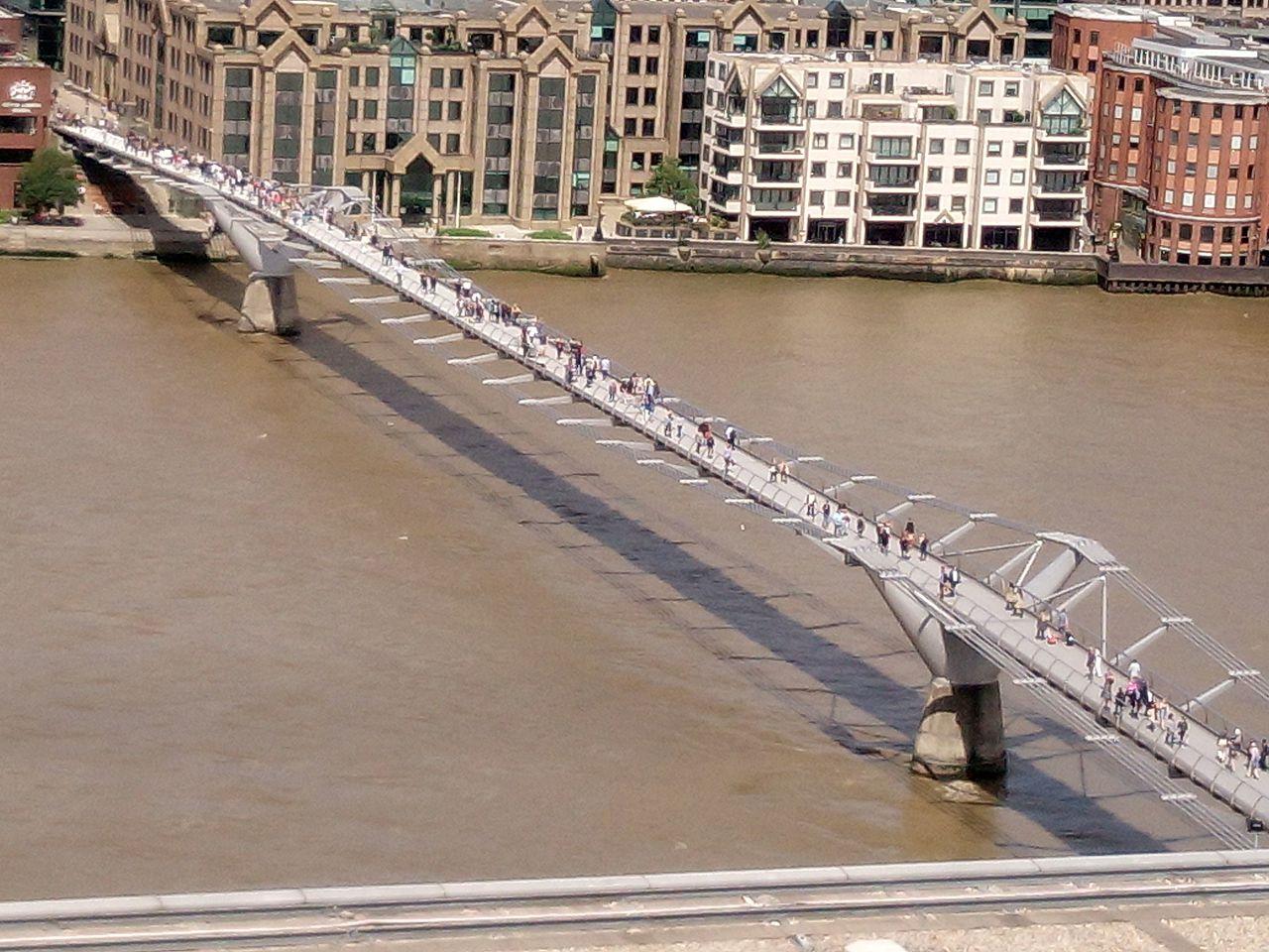 London_Millenium_Bridge