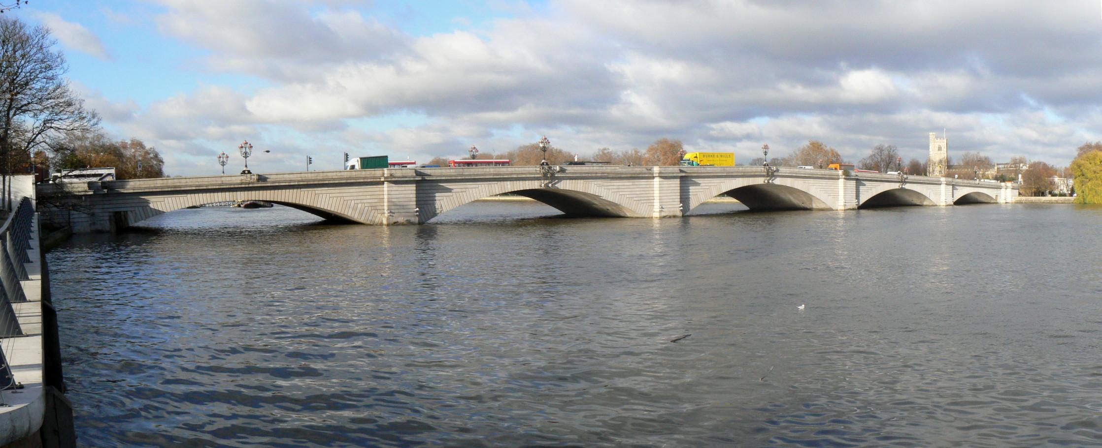 Putney_Bridge_723-5