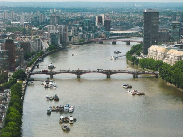 River_Thames_and_Lambeth_Bridge-7July2007