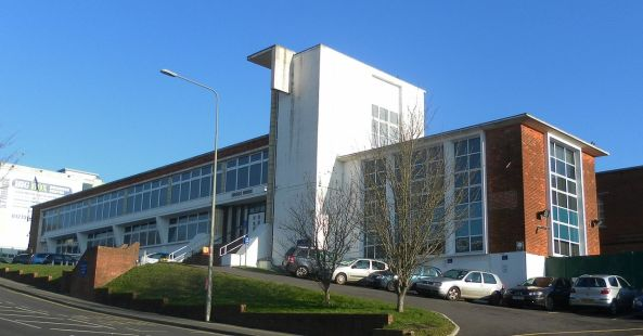 Sussex_House_Building,_Hollingbury_Industrial_Estate,_Brighton_(December_2012)