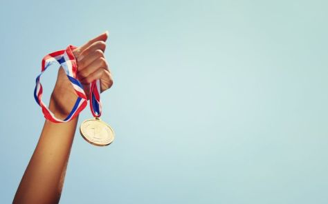 tepuk-tangan-pelajar-indonesia-raih-5-medali-di-olimpiade-matematika-di-singapura-UfNdmBstj8