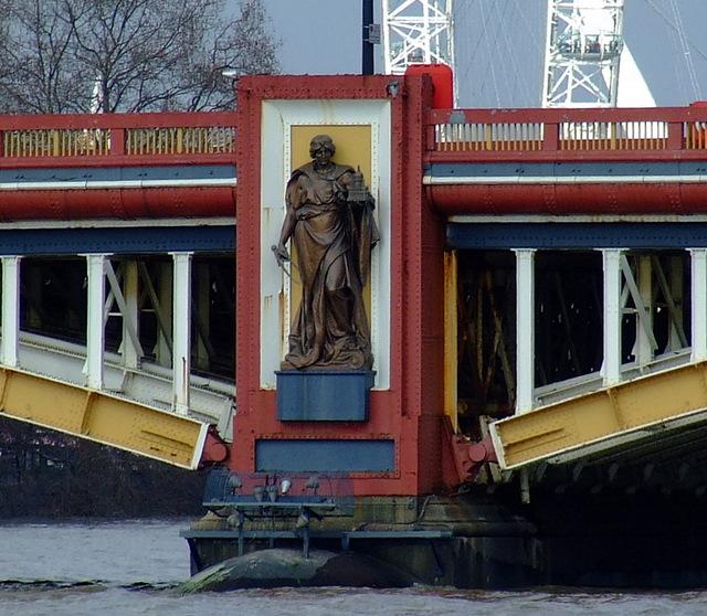 Vauxhall Bridge 4