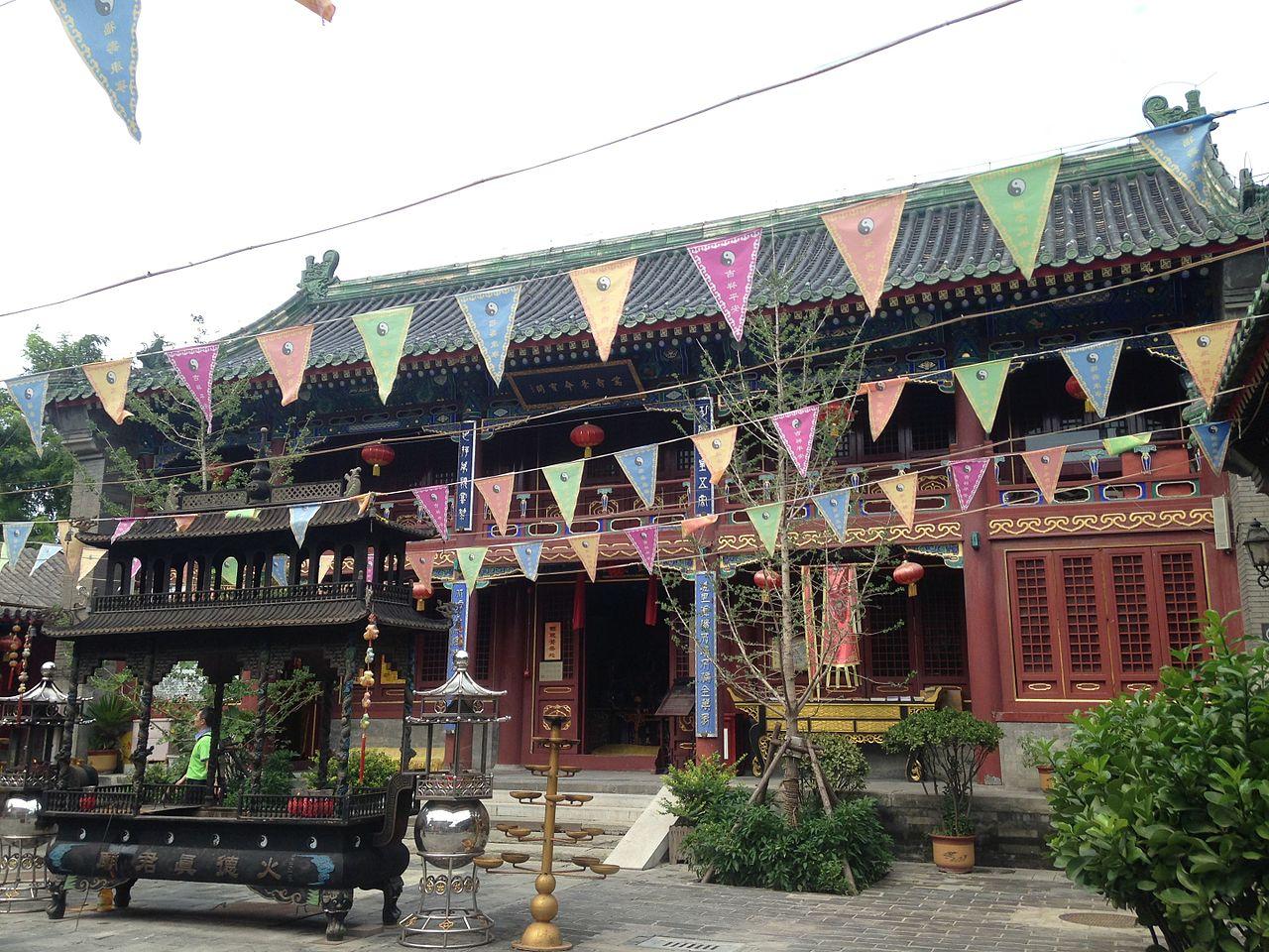 Wanshoujingming-Baoge_Hall_of_Huode-Zhenjunmiao_Temple