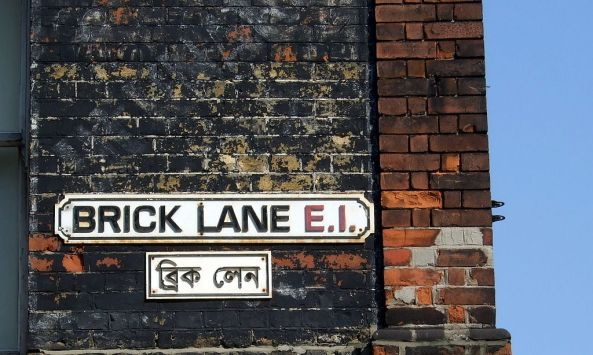 1024px-Brick_Lane_street_signs