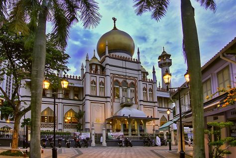 1024px-The_Sultan_Mosque_at_Kampong_Glam,_Singapore_(8125148933)