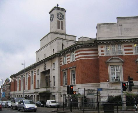1246px-Actontownhall2