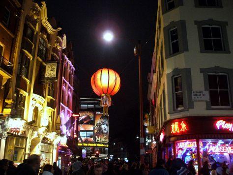 1280px-Chinatown2013