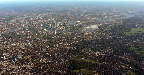 1280px-London_from_above_MLD_051002_003