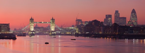 1280px-London_Thames_Sunset_panorama_-_Feb_2008