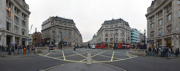 1280px-Oxford_Circus_Panorama_March_2006