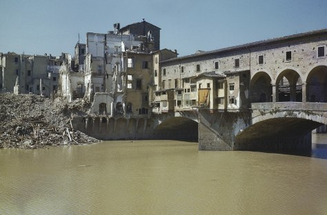 1280px-Scenes_in_Florence,_Italy,_14_August_1944_TR2286