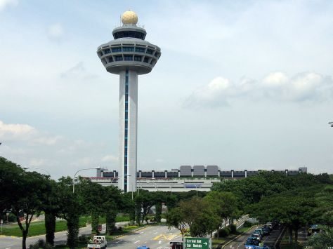 1280px-Singapore_Changi_Airport,_Control_Tower_2,_Dec_05