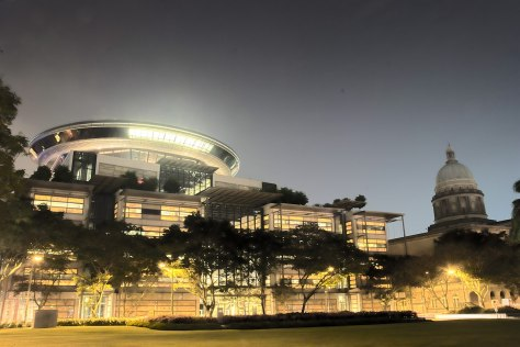 1280px-Supreme_Court_of_Singapore_at_night_(HDR)_-_20071115