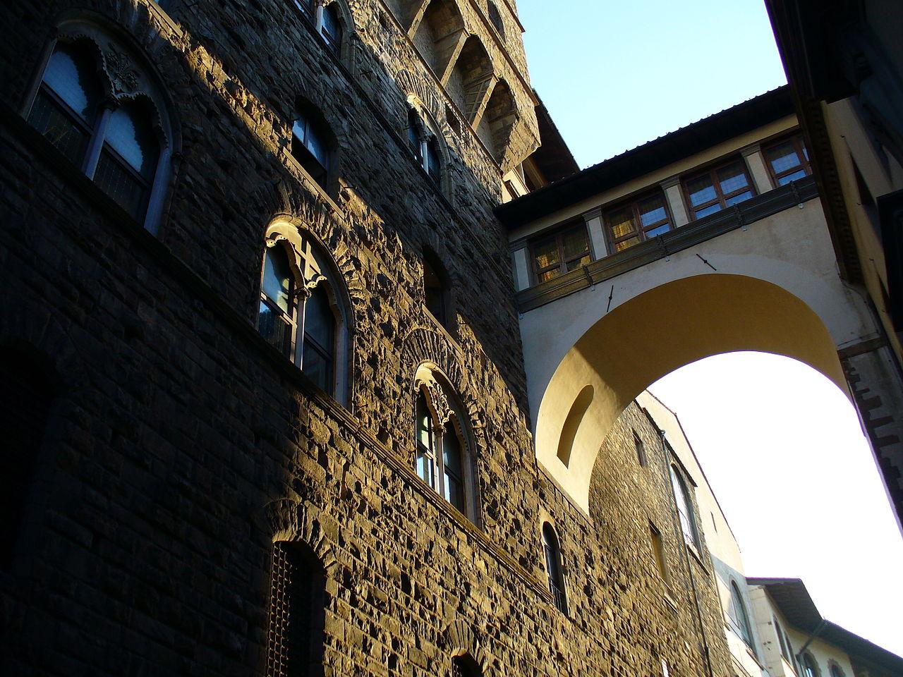 1280px-Vasari_Corridor_1