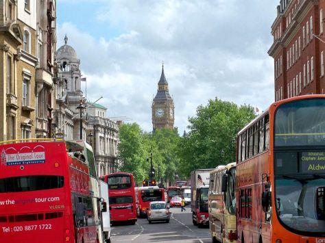 1280px-Whitehall_Street_Traffic