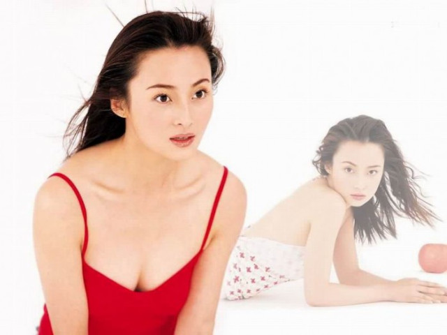 22-jiang-qinqin-698x523