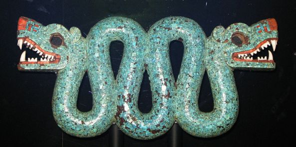 Aztec Serpent with Two Heads 1200px-Double_headed_turquoise_serpentAztecbritish_museum